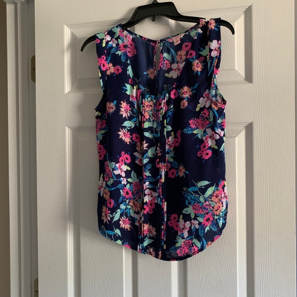 Candie's Tops - Floral sleeveless top
